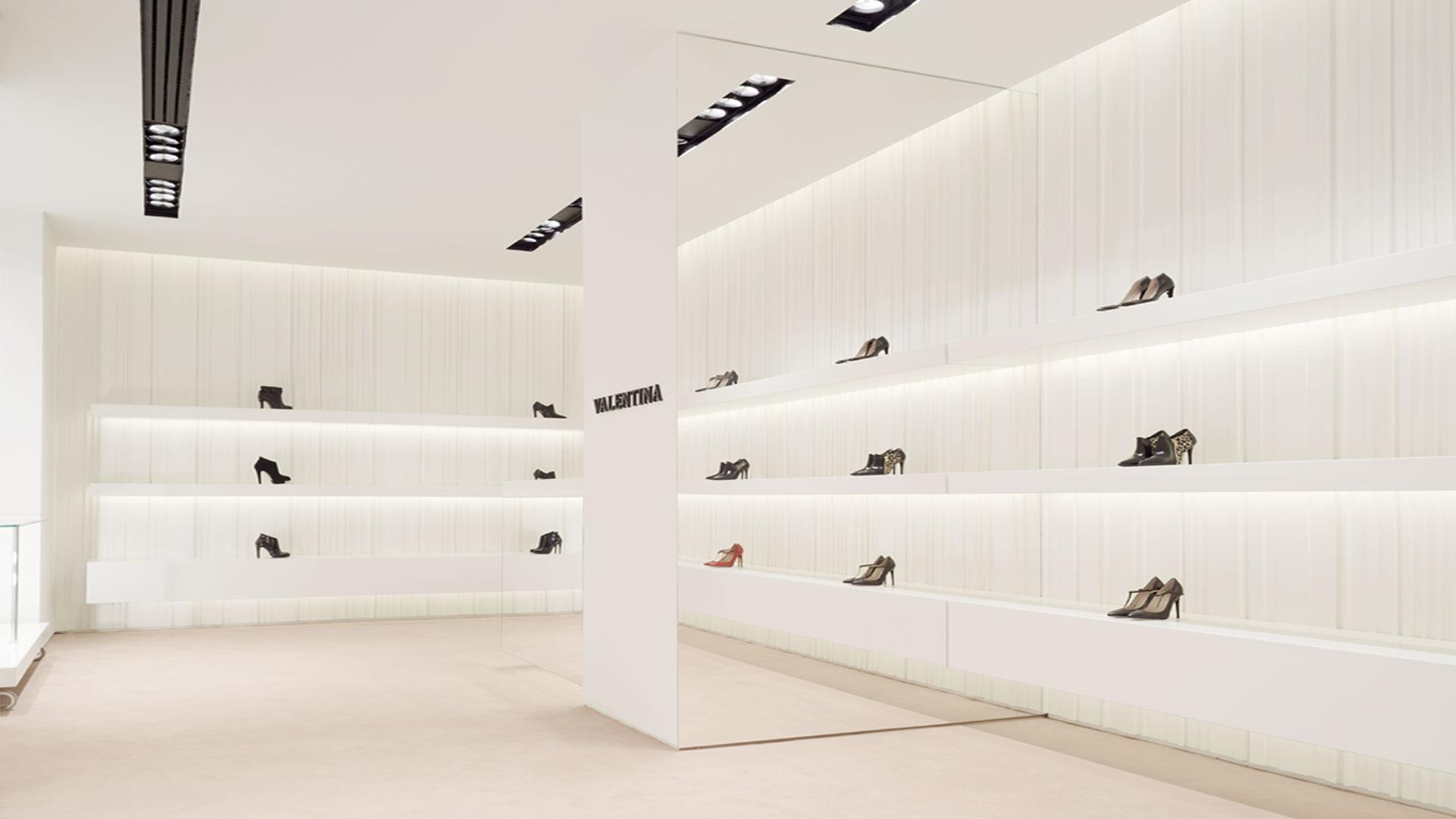 7ae5859c608c design arredo interni negozio scarpe - Startup Architettura