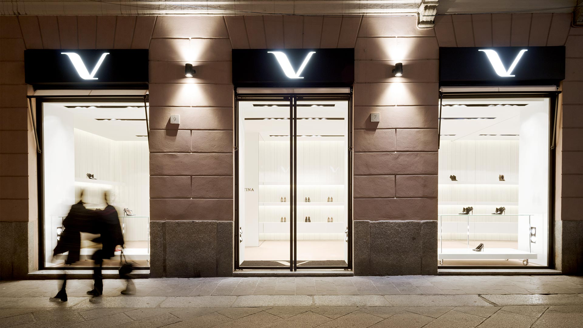 separation shoes 91358 7c649 Design vetrina negozio scarpe - Startup Architettura
